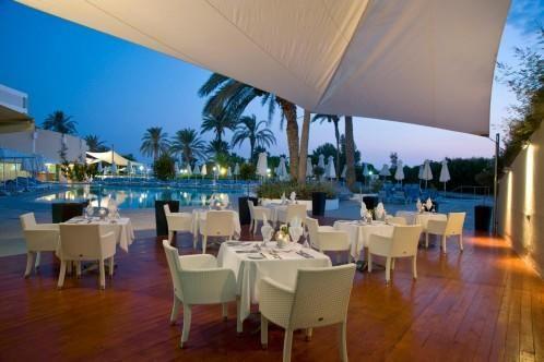 Louis Imperial Beach – Restaurants & Bars